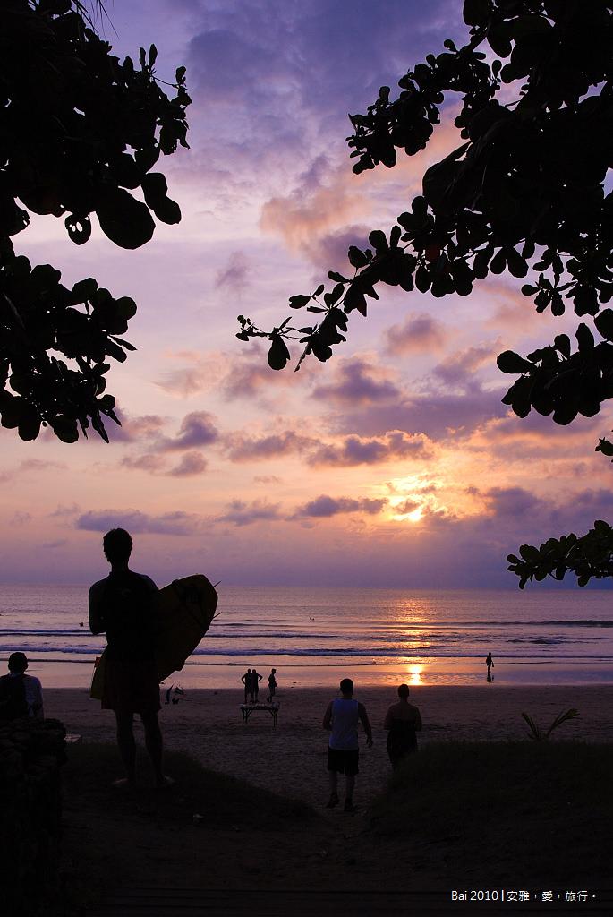 《峇里島美食餐廳》雷吉恩沙灘,各式浪漫餐廳群聚的用餐好所在。