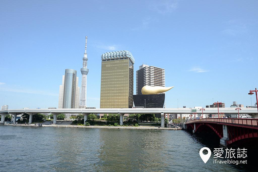 《東京遊船體驗》搭乘東京水上觀光汽船,遊覽隅田川水岸的城市風光。