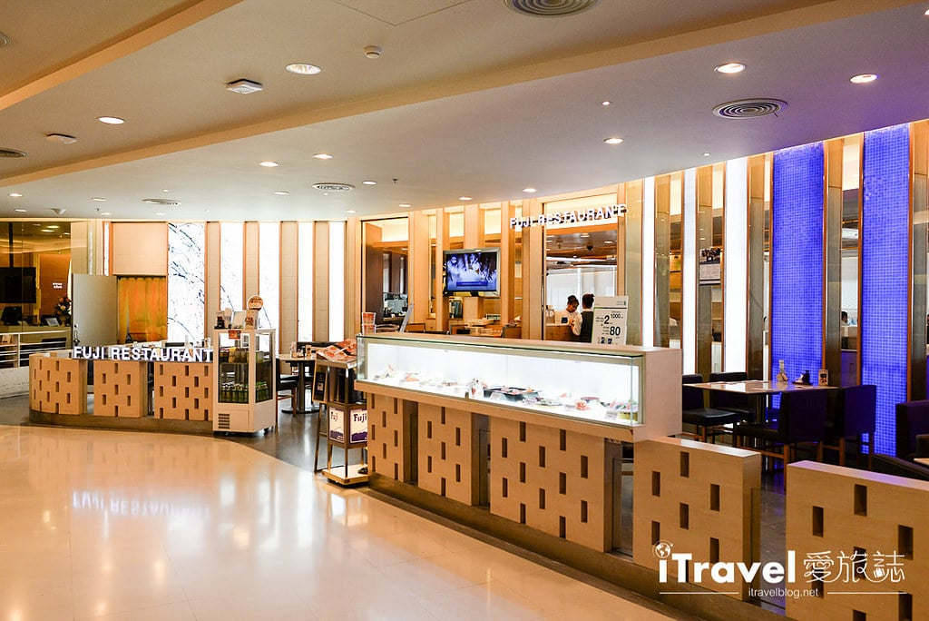 《曼谷購物血拼》Silom Complex:緊鄰BTS Sala Daeng捷運站旁,購物季好好買的在地生活百貨公司!