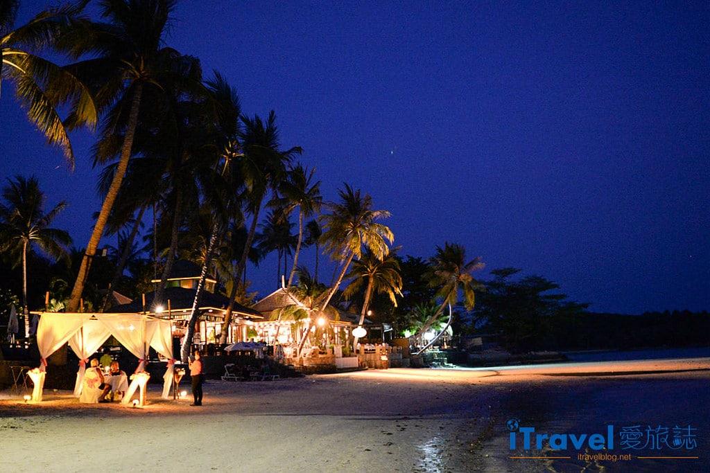 《蘇美島餐廳推薦》Kandaburi Resort Buffet Dinner 浪漫自助餐廳,夜晚迎月光與動人音樂。
