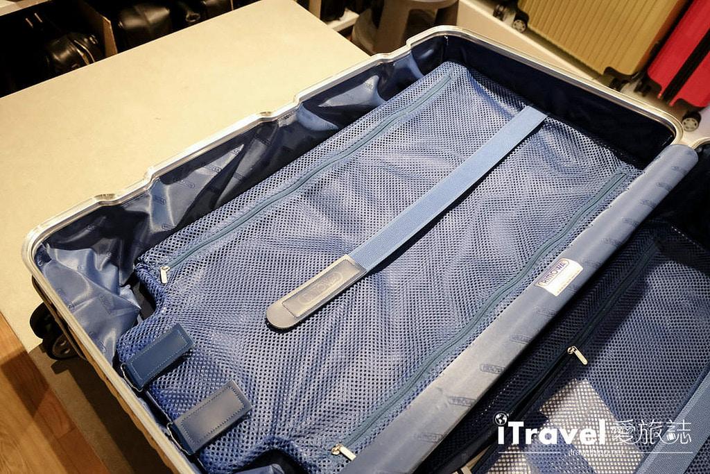 《好好買》德國百年工藝Rimowa旅行箱入手,開箱分享我的第一個Rimowa Topas Sport@Gabler Frankfurt。