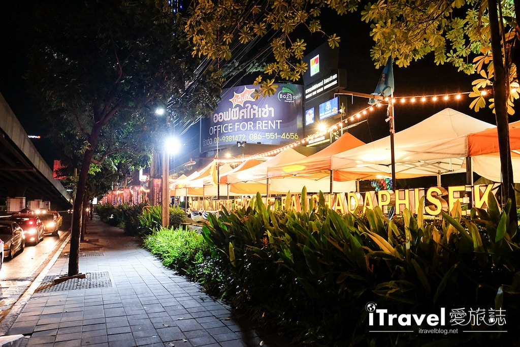 《曼谷夜市筆記》30個市集推薦集滿的曼谷夜市攻略懶人包。
